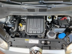 Volkswagen-up!-36