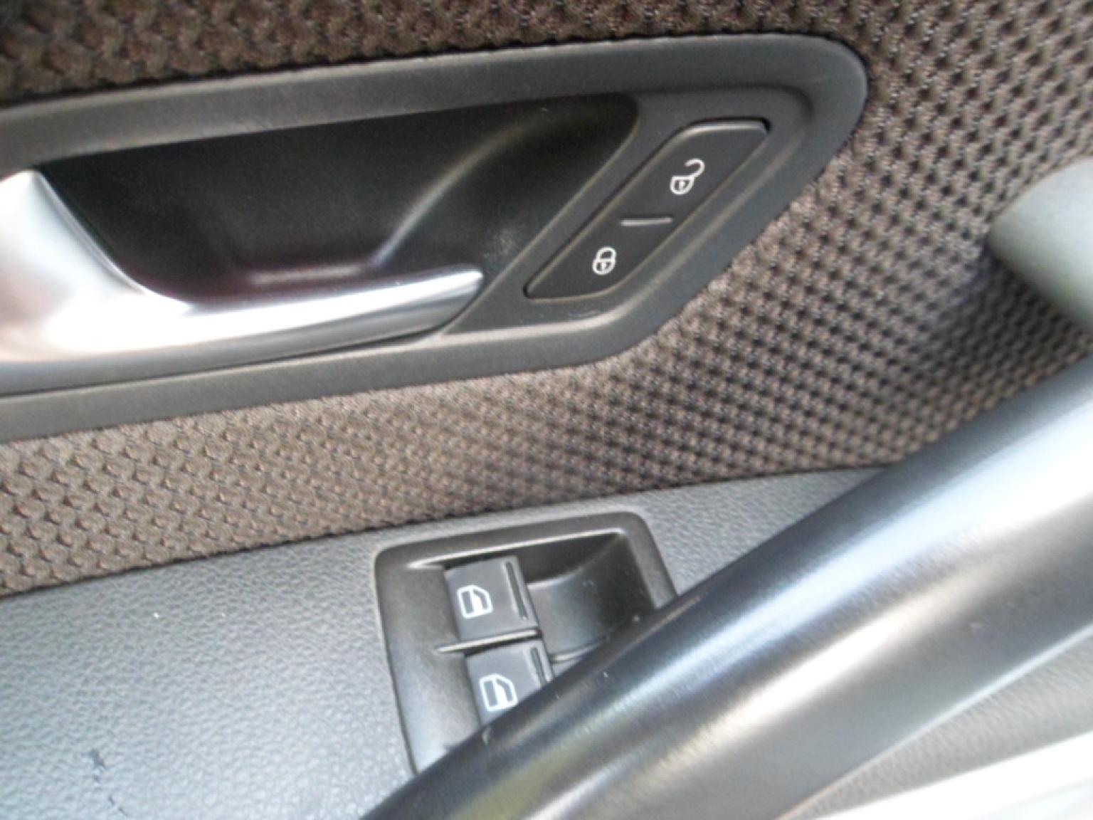 Volkswagen-Scirocco-12