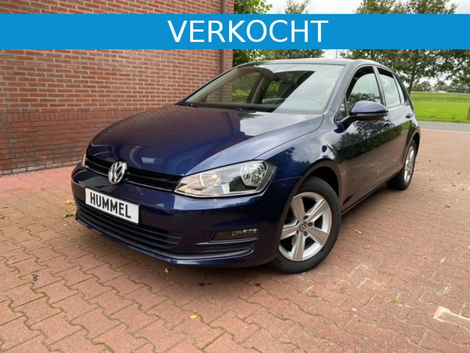 Volkswagen-Golf-0