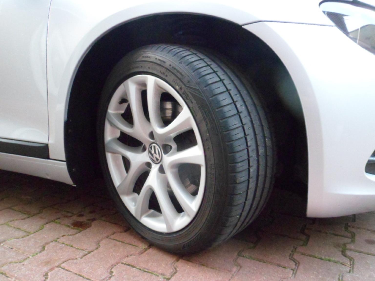 Volkswagen-Scirocco-4
