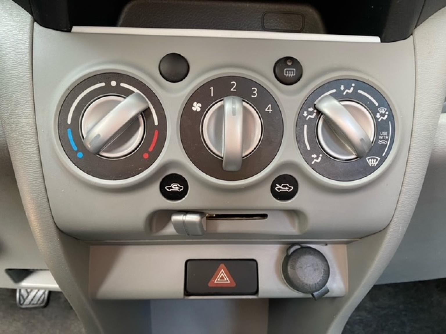 Suzuki-Alto-15